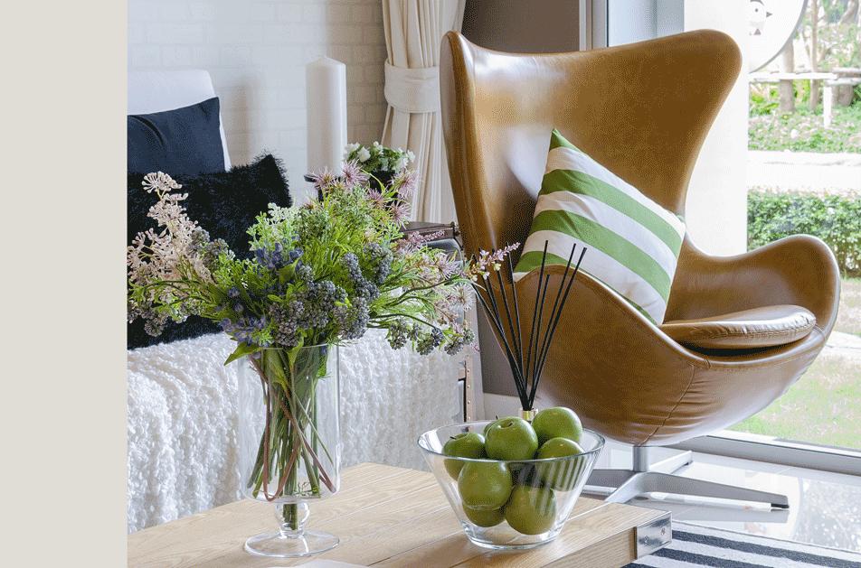 Skandinavisches Wohnzimmer Design Klassiker Egg Chair grün