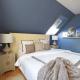 Schlafzimmer dunkel blau taupe elegant Vorhang