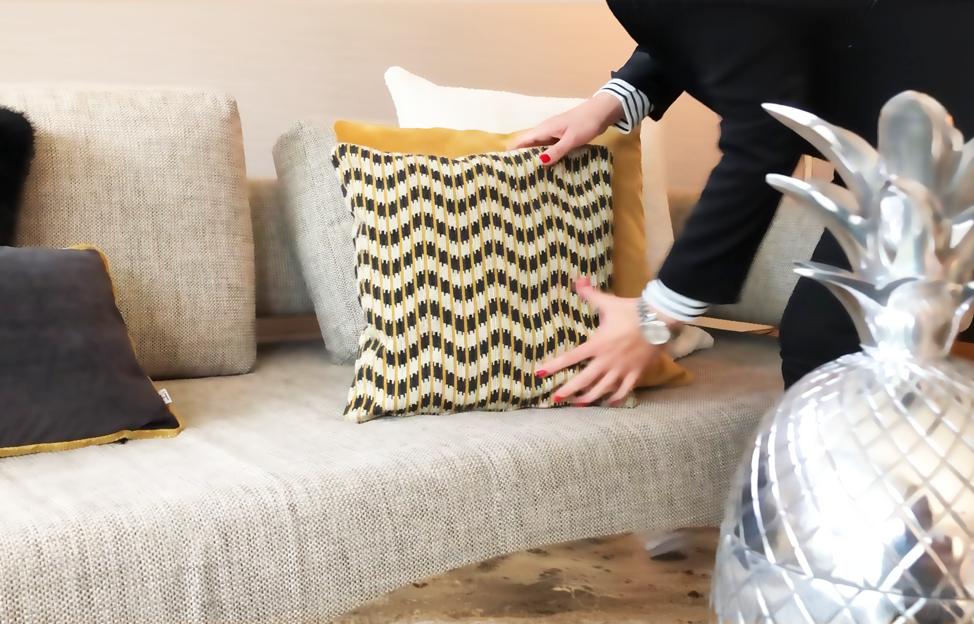 Kissendekoration Musterkissen Schöne Dekokissen Couch mit Kissen dekorieren