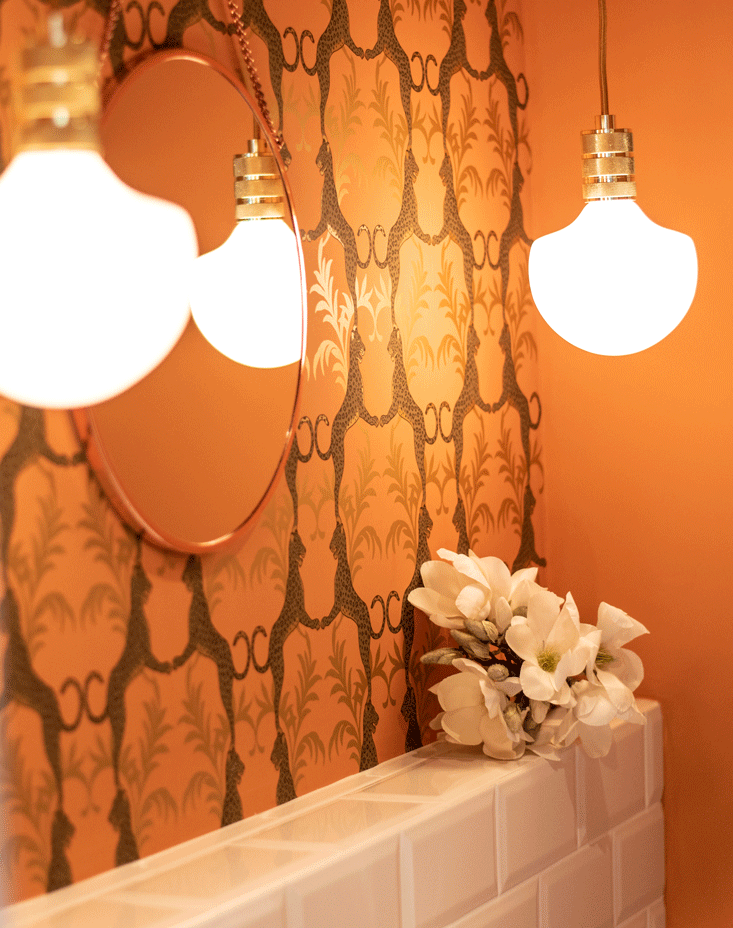 Büro Raumgestaltung Kreative Studio Homemate Büroeinrichtung Badgestaltung Baddesignn Wandgestaltung Bad Tapete Fliesenspiegel Pendelleuchten Bad