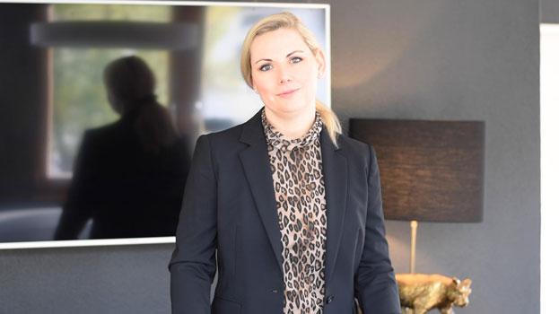 Innenarchitekt Freiburg Monika Winden Video schwarz leuchte