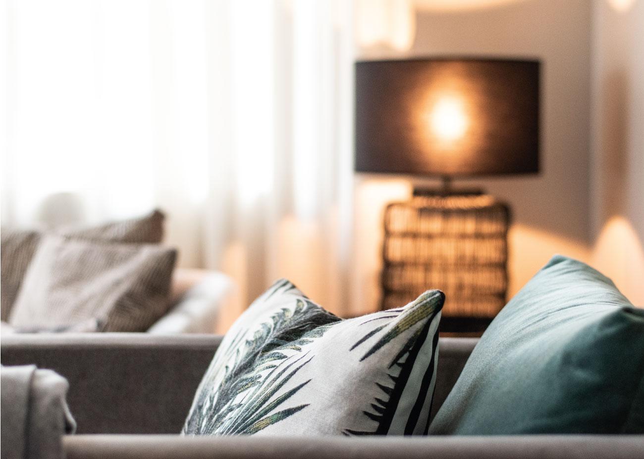 Wohnung einrichten Einrichtungsideen Dekokissen Inspiration Wohnungsdeko Wohnzimmer Einrichtung Inspiration